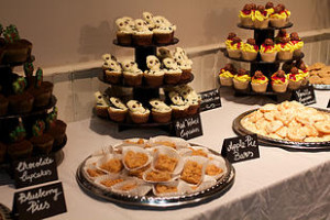 Desserts by Chi's Cakes